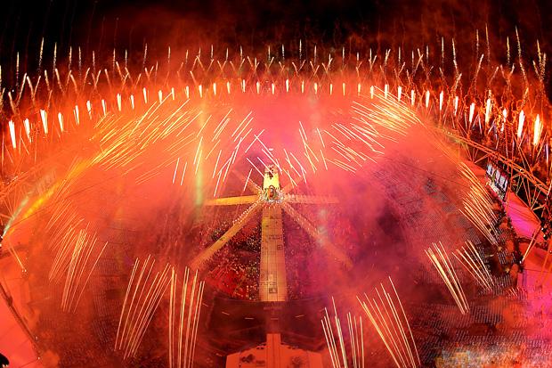 Олимпиада 2012 церемония закрытия салют