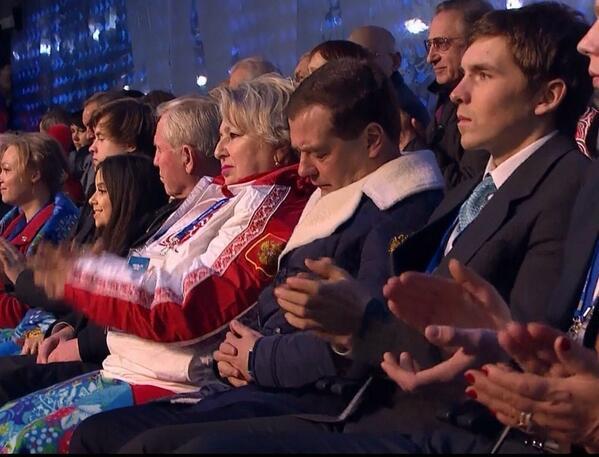 Дмитрий Медведев уснул сверху Олимпиаде